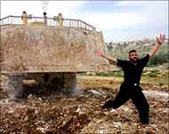 Israeli Army bulldozes Palestinian Homes